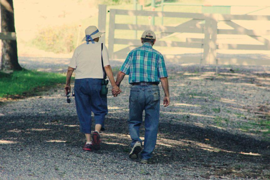 貯金しない人は老後も働くしかない【老後資金を用意する3つの方法】