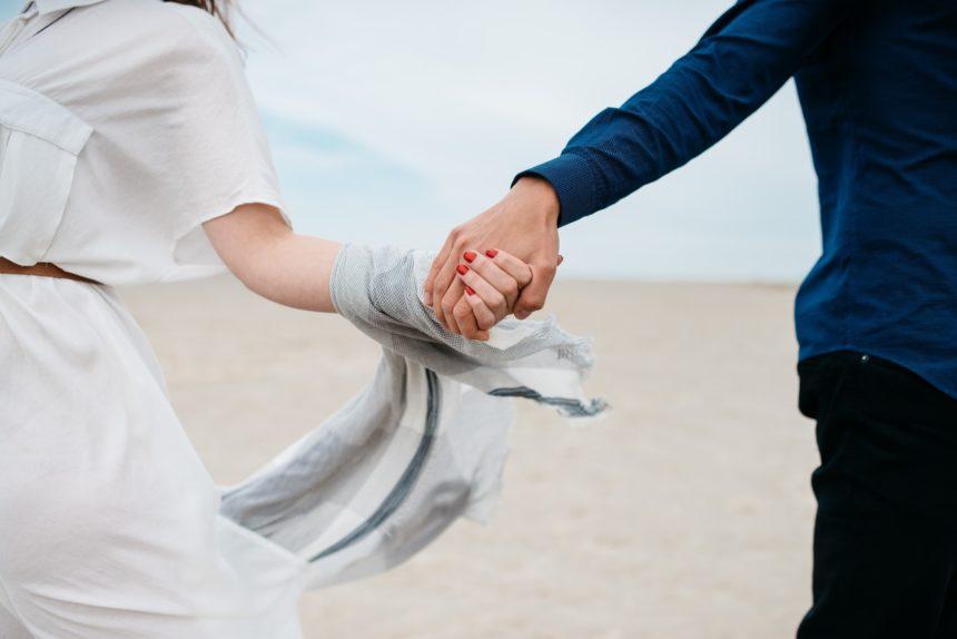 30代夫婦の平均貯金額は470万円【平均値を上回る方法は副業です】
